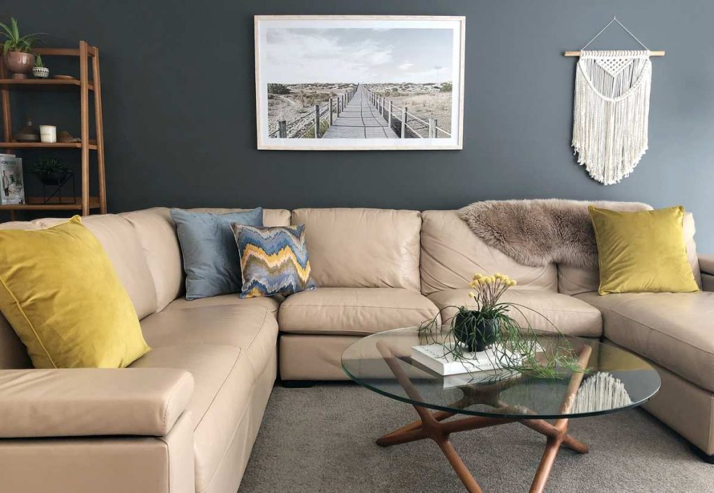 Sofa setting with velvet cushions