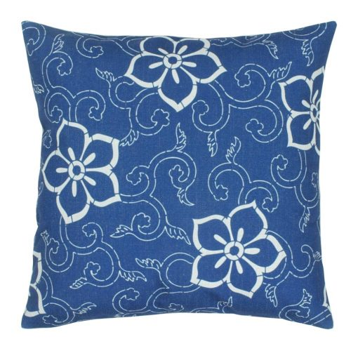 closer look of the blue and white cotton linen cushion cover 45cmx45cm